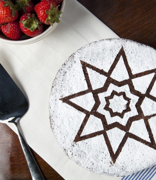8-point-star-cake
