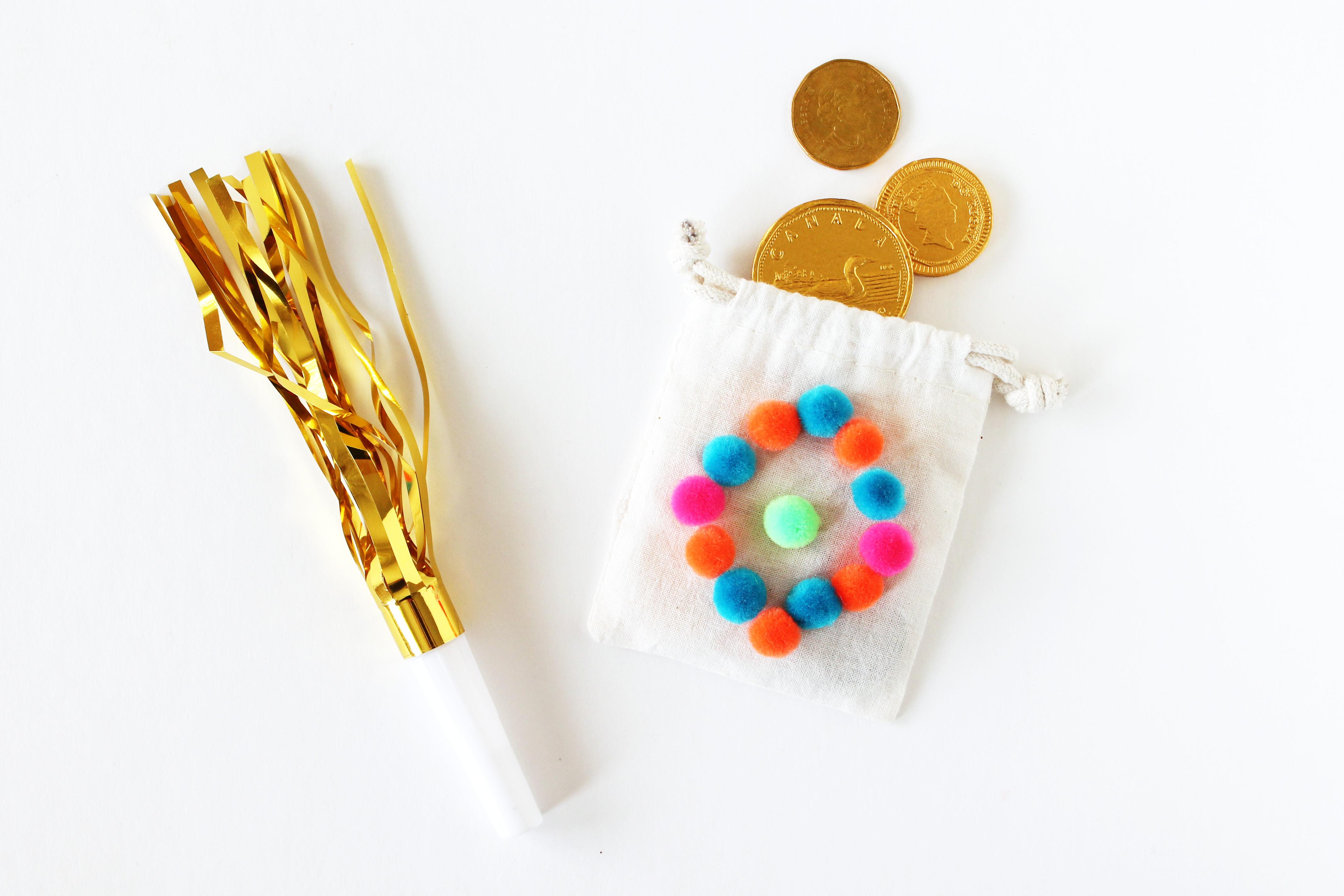 pompom-eid-decorations-money-bags