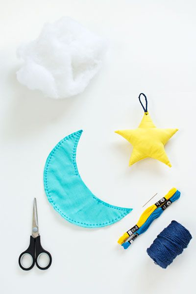 Ramadan Ideas: Plush Crescent Star Garland - Hello Holy Days!