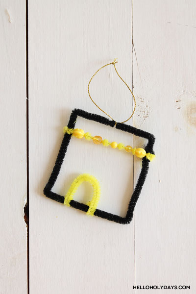 Eid al Adha Pipecleaner Kaaba Craft for Kids by Hello Holy Days!